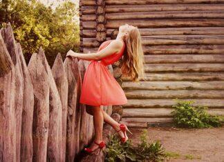 Jak nosić sukienki w wyrazistych kolorach