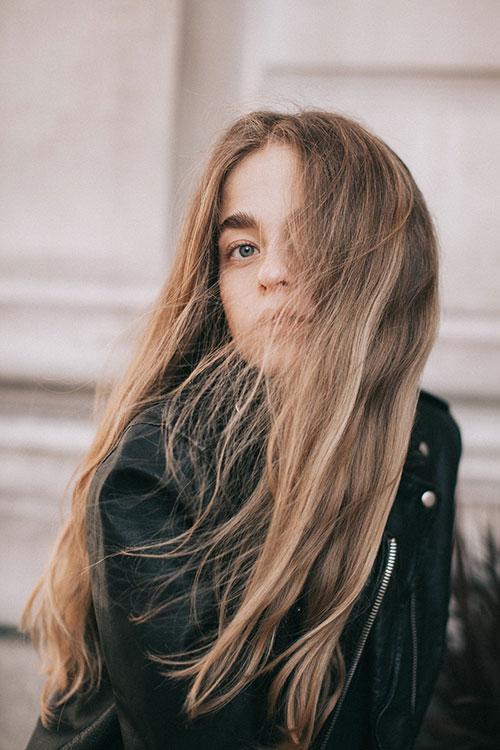 Dbamy o głowę i włosy w zimie